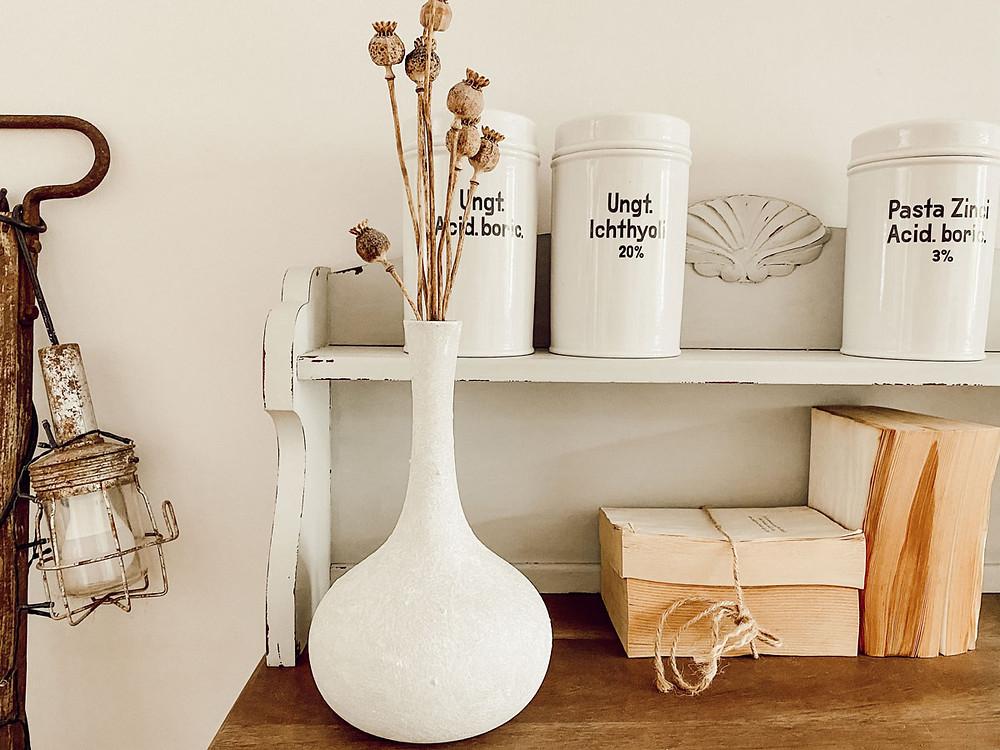 Vase im shabby chic Stil mit Kreidefarbe