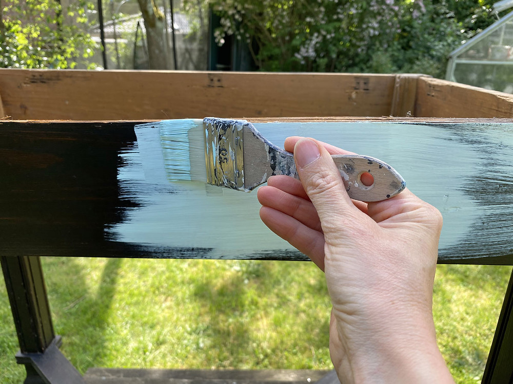 Gartenmöbel streichen mit Fusion Mineral Paint