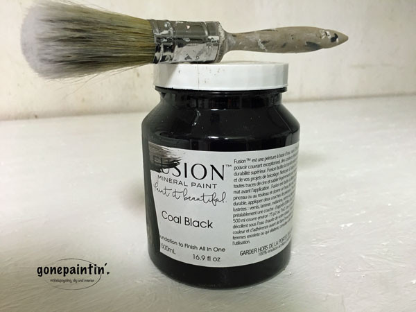 Fusion Mineral Paint in coal black für den Farmhouse Look
