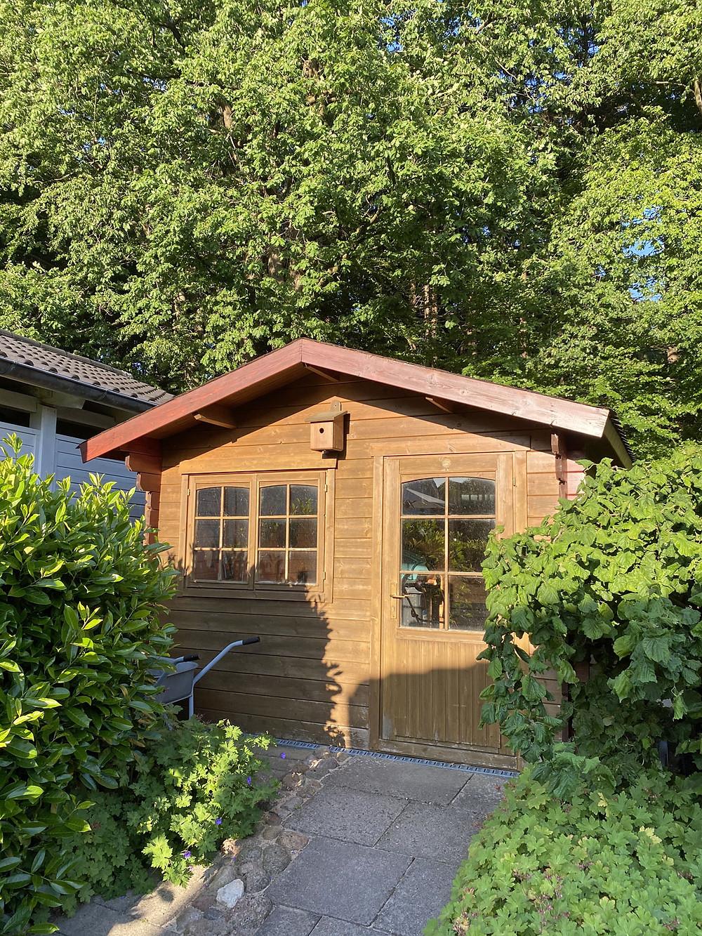 Gartenhaus streichen mit outdoor Farben