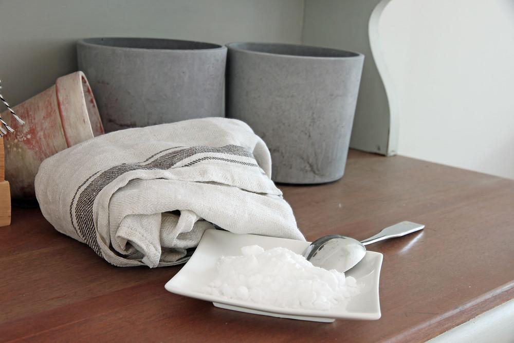 Backsoda gegen Gerüche in alten Möbeln