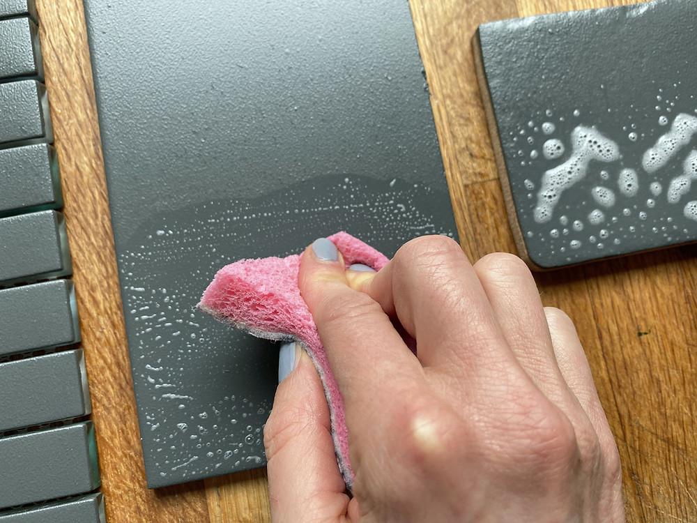 Kann man Fliesen streichen mit Kreidefarbe? Ich teste es aus!