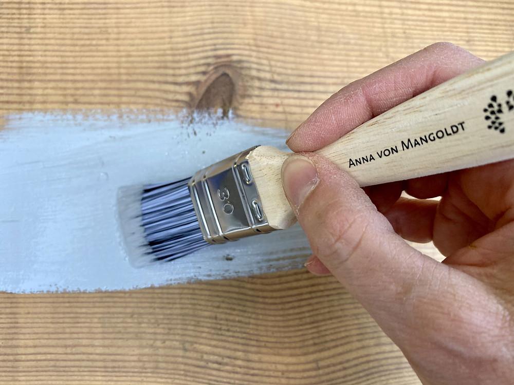 Aufarbeiten einer antiken Kommode mit Anna von Mangoldt Kreidefarbe