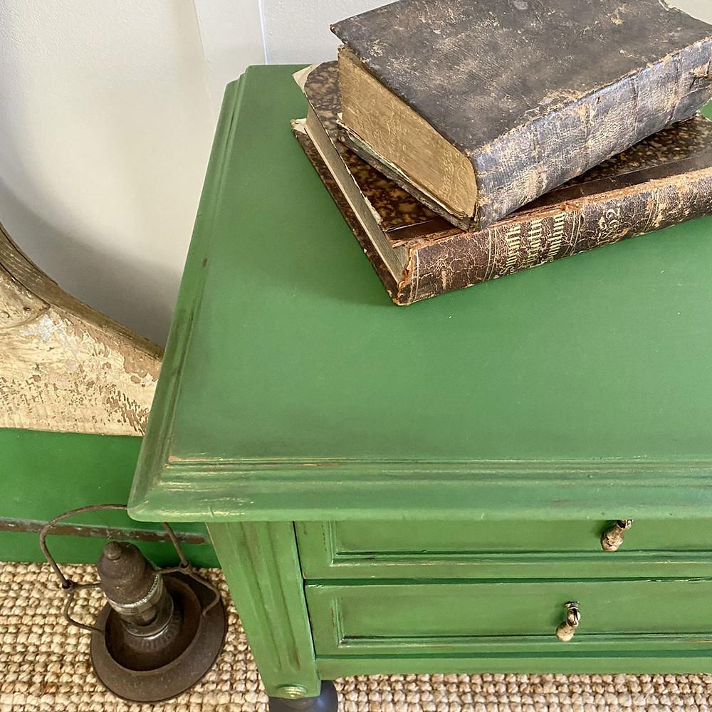 Möbel altern lassen mit Wachs
