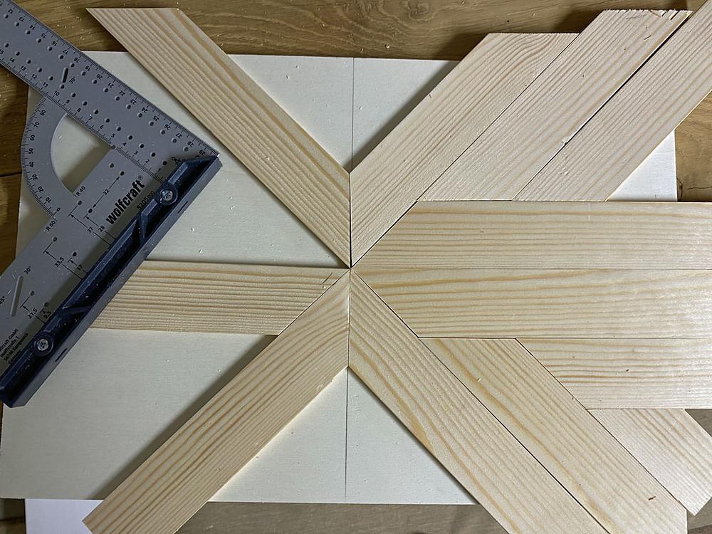 rustikales Holzmuster legen für DIY Holztablett