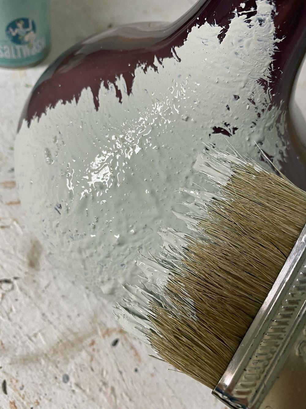 Kreidefarbe und Saltwash für die Vase