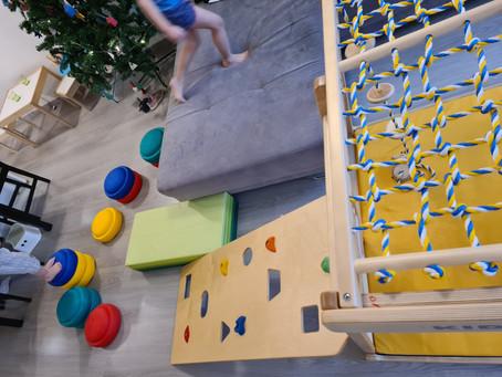 5 Spielideen für müde Eltern und aktive Kinder