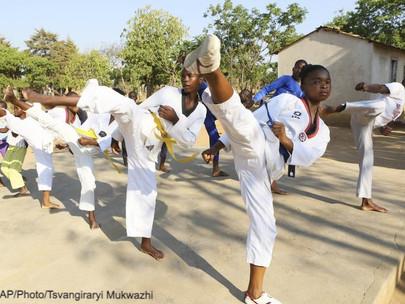 Taekwondo - un art martial au service du développement social au Zimbabwe