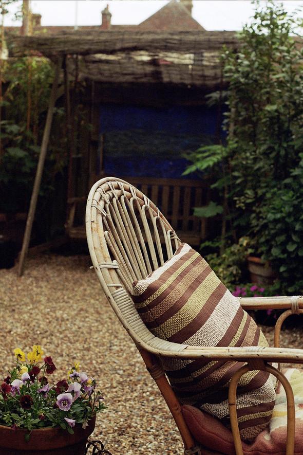 -wicker chair-