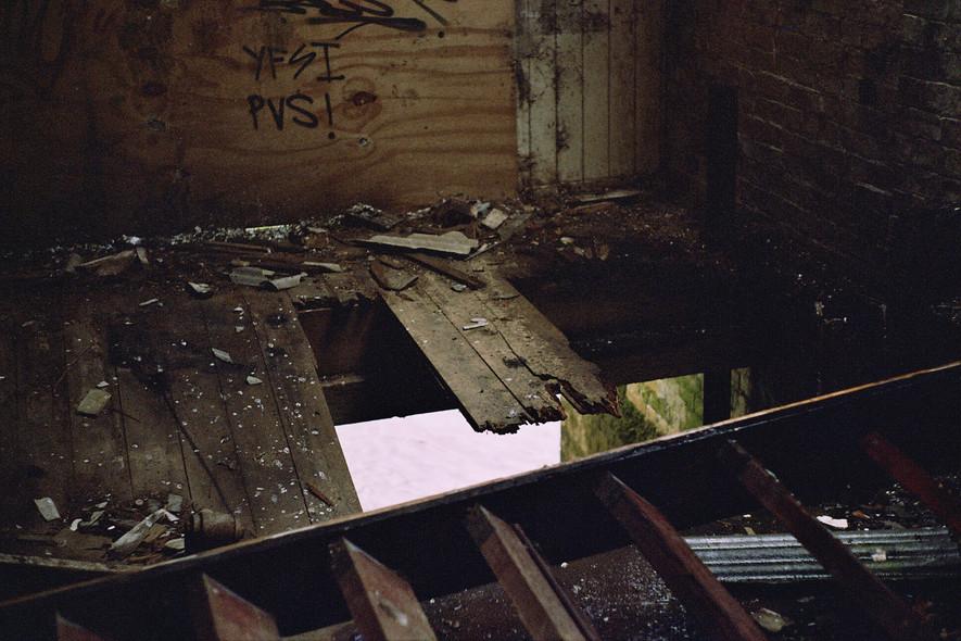 -the broken room-