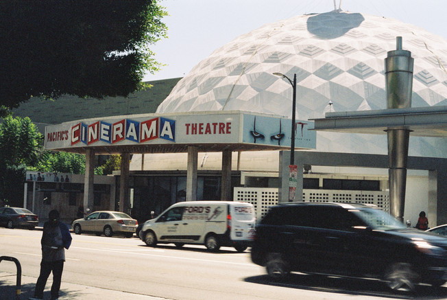 -Cinerama Theatre-