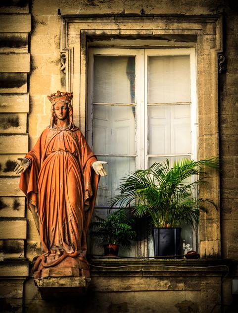 Avignon Window