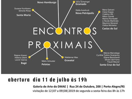 ENCONTROS PROXIMAIS: Simone Rosa representa Santa Maria na exposição coletiva da Associação de Artes