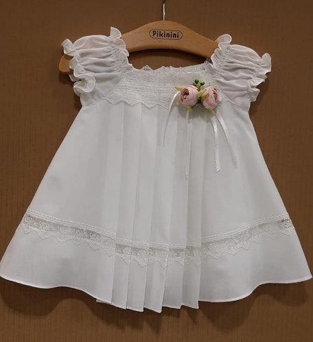 Önü Pileli Dantel Detaylı Beyaz Kız Bebek Abiye Elbise