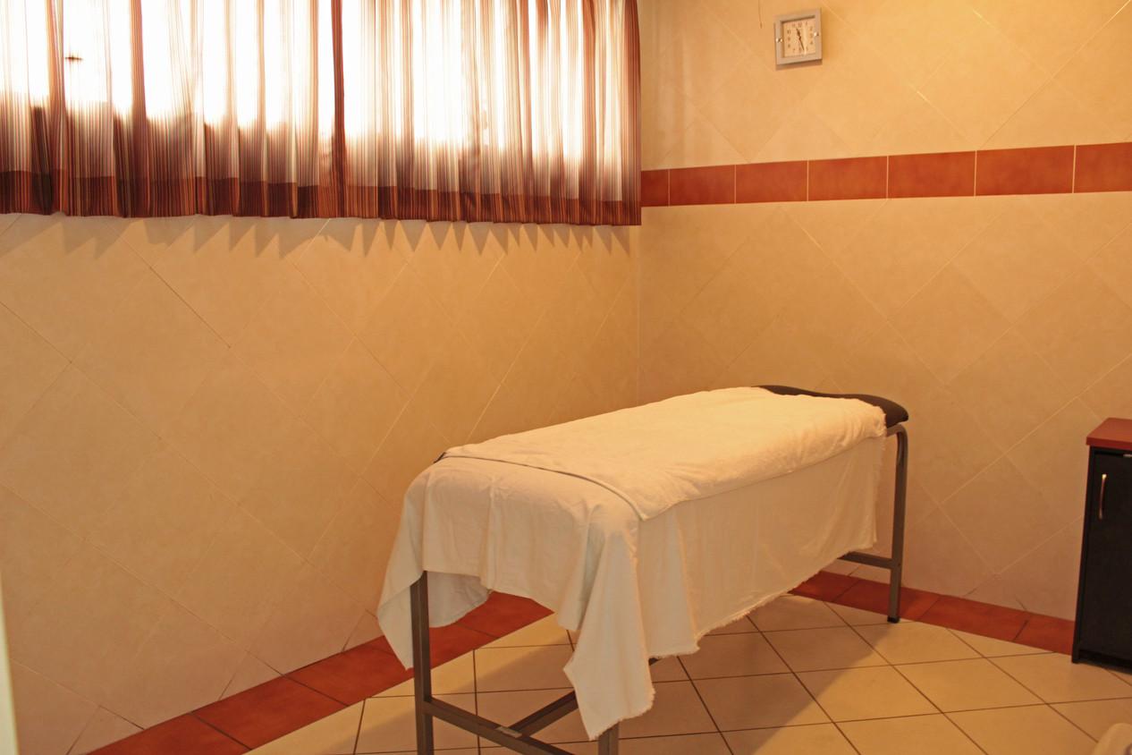 Sala de masajes relajantes Club Árabe Salvadoreño
