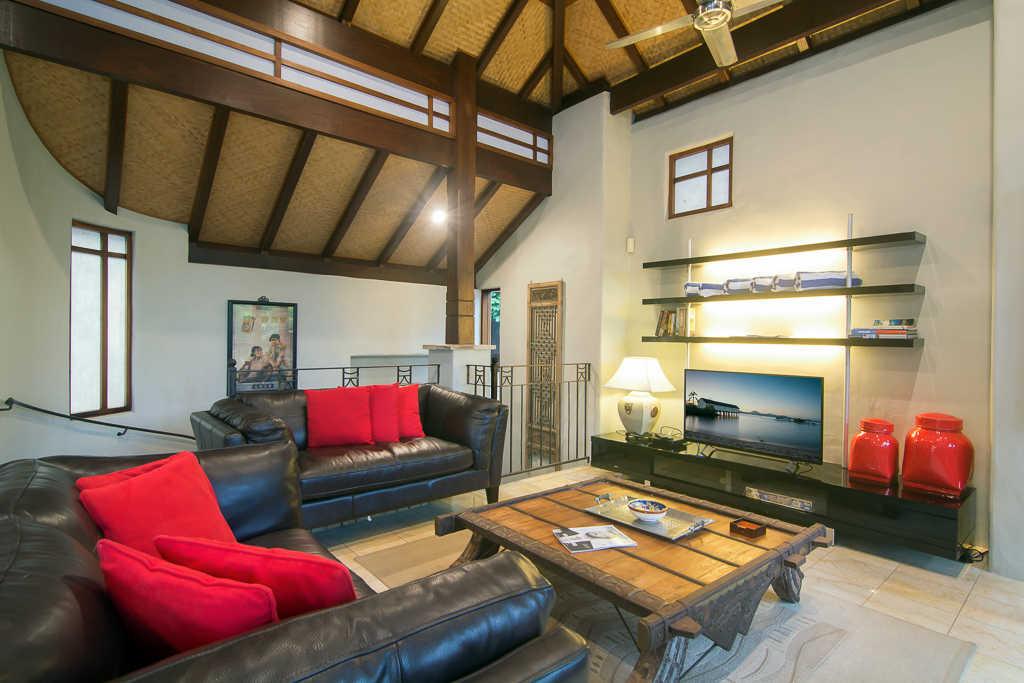 Far Pavilions Lounge
