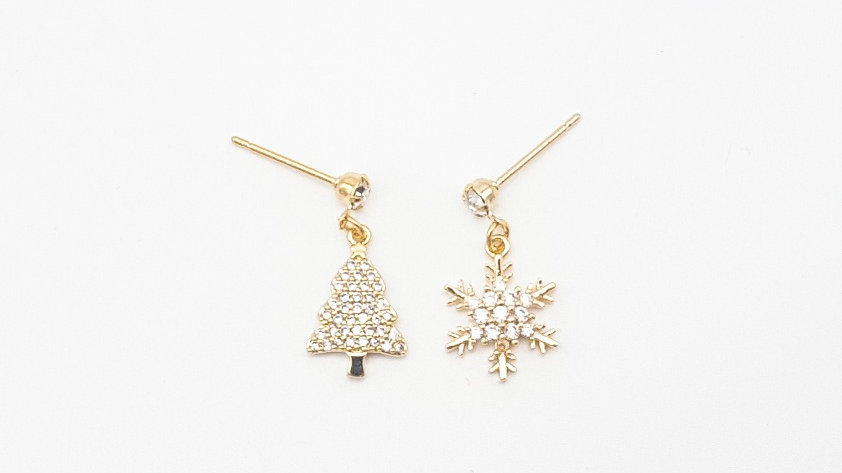 Christmas tree and snow flake earrings