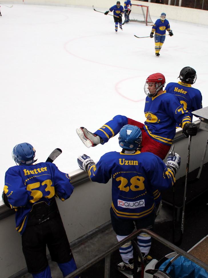 HC-Zurich-Dolphins-News-20115-03-01-2.JPG