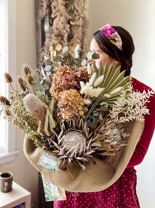 FLOWER PLAY: Everlasting Hand-tied Bouquet