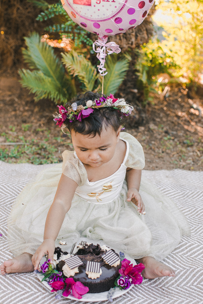 Cake smash photo shoot with flower crown session