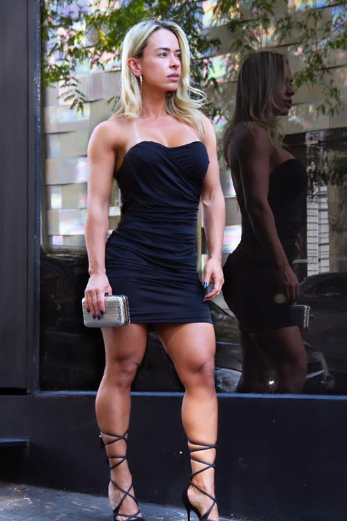 Sandália preta de amarrar na canela Paula Torres