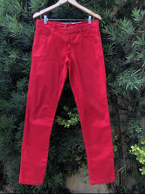 Calça vermelha Marisa Ribeiro