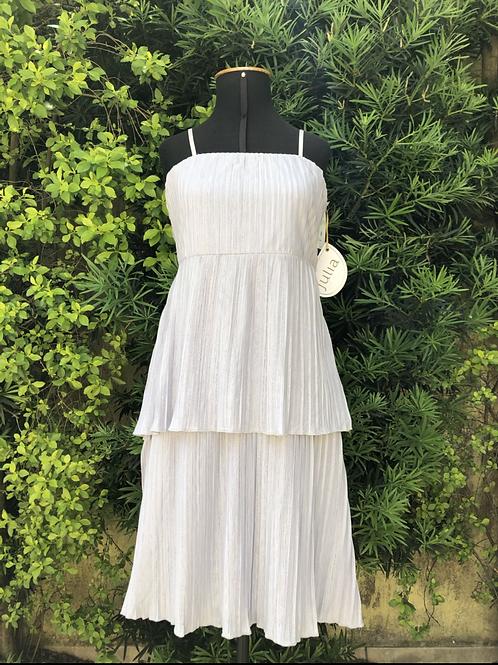 Vestido plissado cinza Júlia Tricot
