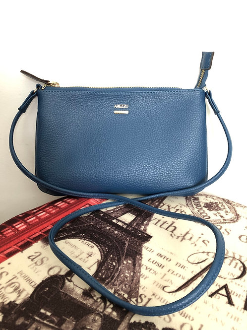 Bolsa azul tiracolo Arezzo