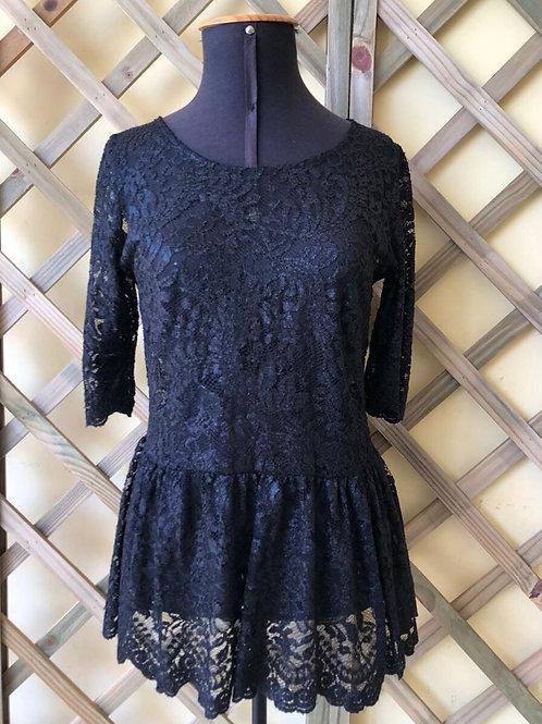 Blusinha de renda Zara