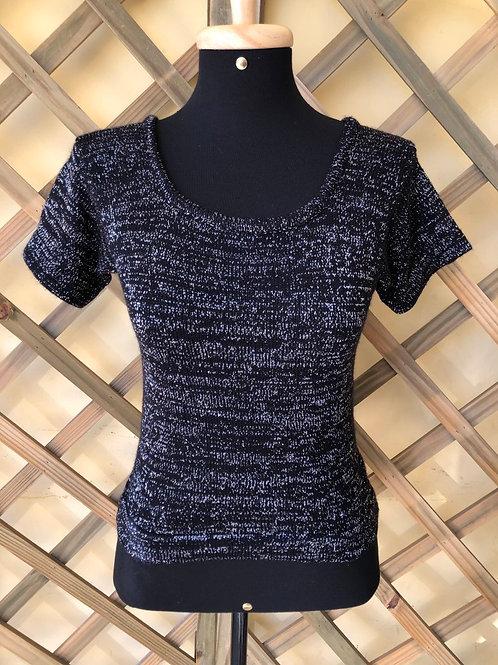 Blusinha tricô preta c/fios prateados