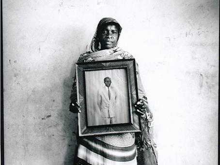 Artists' portrait... Zoom on Laeila Adjovi, committed photographer