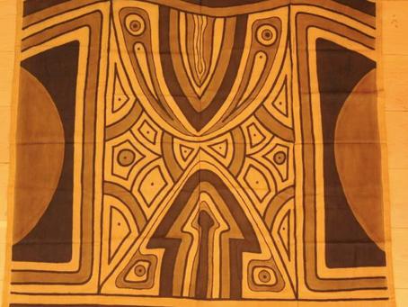 Tidiane Ndongo : une passion pour le bogolan, tissu ancestral malien.