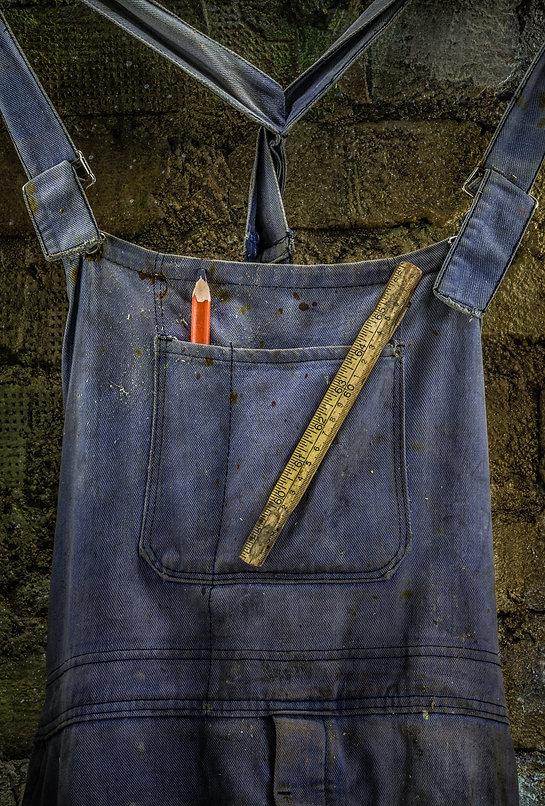 Blue workman's overall, Vaarin verstaalla, grandpa's workshop, lightpainting, photography, long exposure, still life, old tools, materials, structures