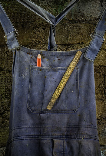 Blue workman's overalls, Vaarin verstaalla, Grandpa's workshop