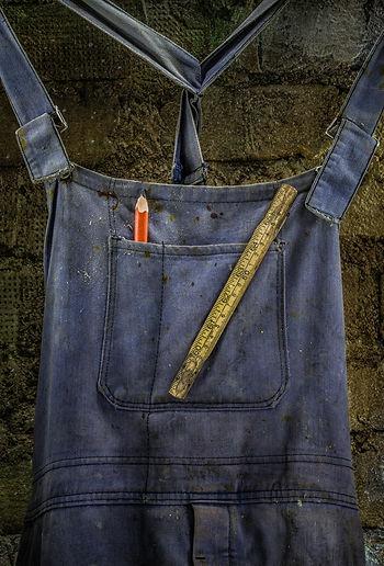 Blue workman's overalls, Vaarin verstaalla, Grandpa's workshop