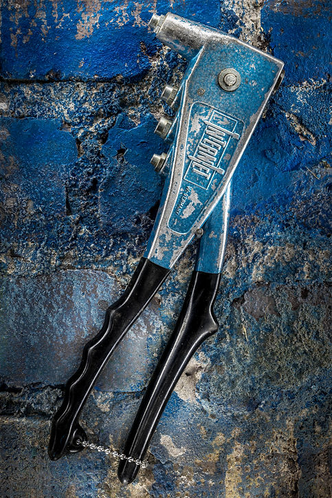 Old tool, Vaarin verstaalla, grandpa's workshop, lightpainting, photography, long exposure, still life, old tools, materials, structures