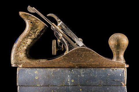 Old wooden slicer, Vaarin verstaalla, grandpa's workshop, lightpainting, photography, long exposure, still life, old tools, materials, structures