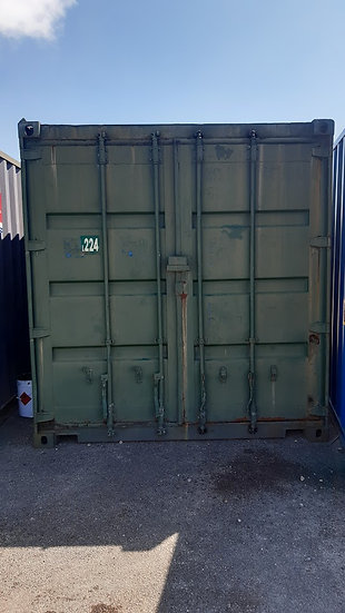 L-224 USED 40FT SHIPPING CONTAINER NEEDING REPAIR