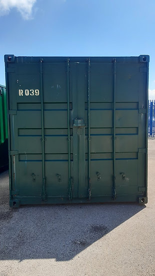 R-039 40FT USED SHIPPING CONTAINER NEEDING REPAIR