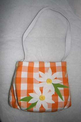 Picking Daisies  FYT 920  Applique Purse Pattern