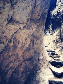 3200mを超える山頂へは険しい道で