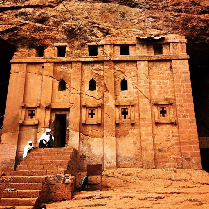 第2のエルサレム  巨大な一枚岩を彫り抜いて造られた12の岩窟教会群
