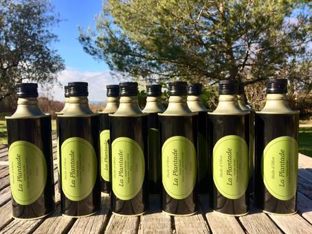 Nouvelle récolte huile d'olive AOC Nyons variété Tanche, vierge extra extraite à froid @ La Plantade