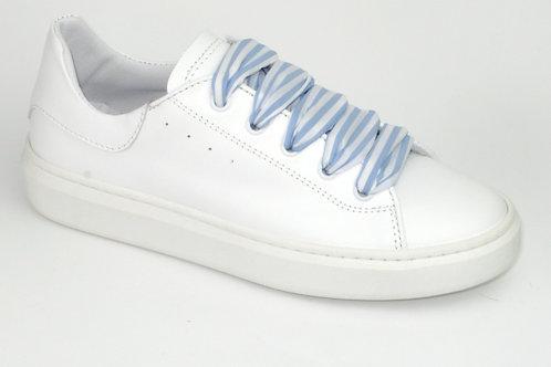 BANA/2122032/sneakerwit leer bl gestreepte veters