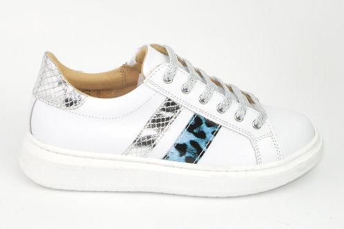 CHERIE/8193zilver/ sneaker wit leder strepen lichtblauw acc zilver
