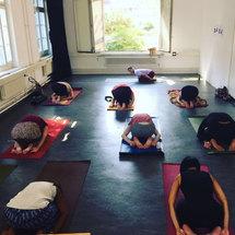 yoga_training.jpg