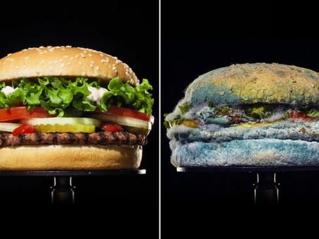 Burger King mostra hambúrguer sem conservantes em decomposição