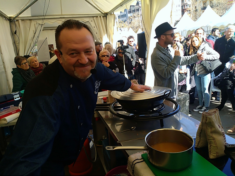 Paella cooking show in valencia_2019