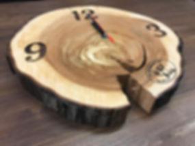 Часы из спила дерева (яблоня)