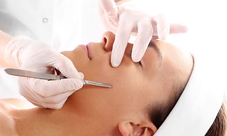 Peeling mechanical scalpel face lift_edited.jpg